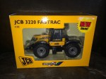 Britains 42019 JCB fasttrack 3220